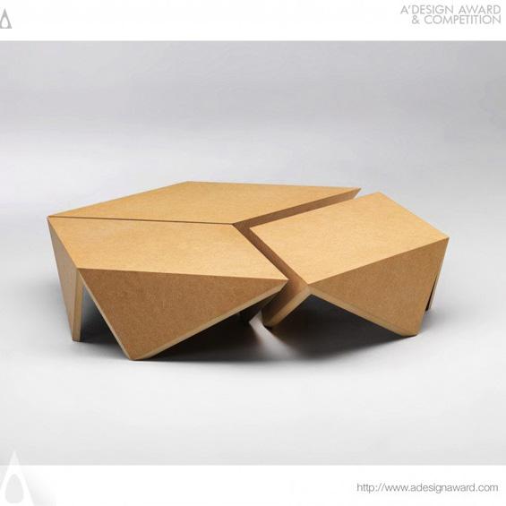 3821-10-Fallen-Bird-Low-Table-Triangles-Emotion-Andre-Verroken