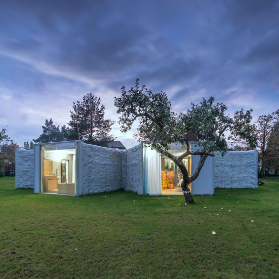 Petr Hájek Architekti : Chameleon House