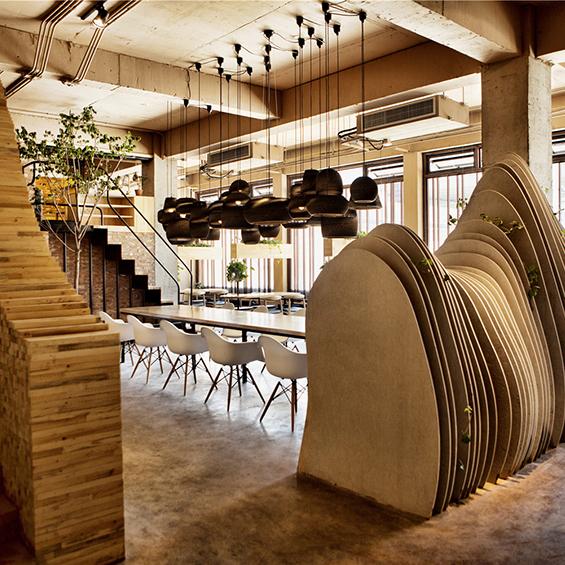 Robot3 Design : Shan Café