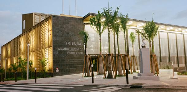 7339 design muuuz archidesignclub magazine architettura decorazione d'interni art house design Ignacio prego architetture all'avanguardia tribunale a pitre 01